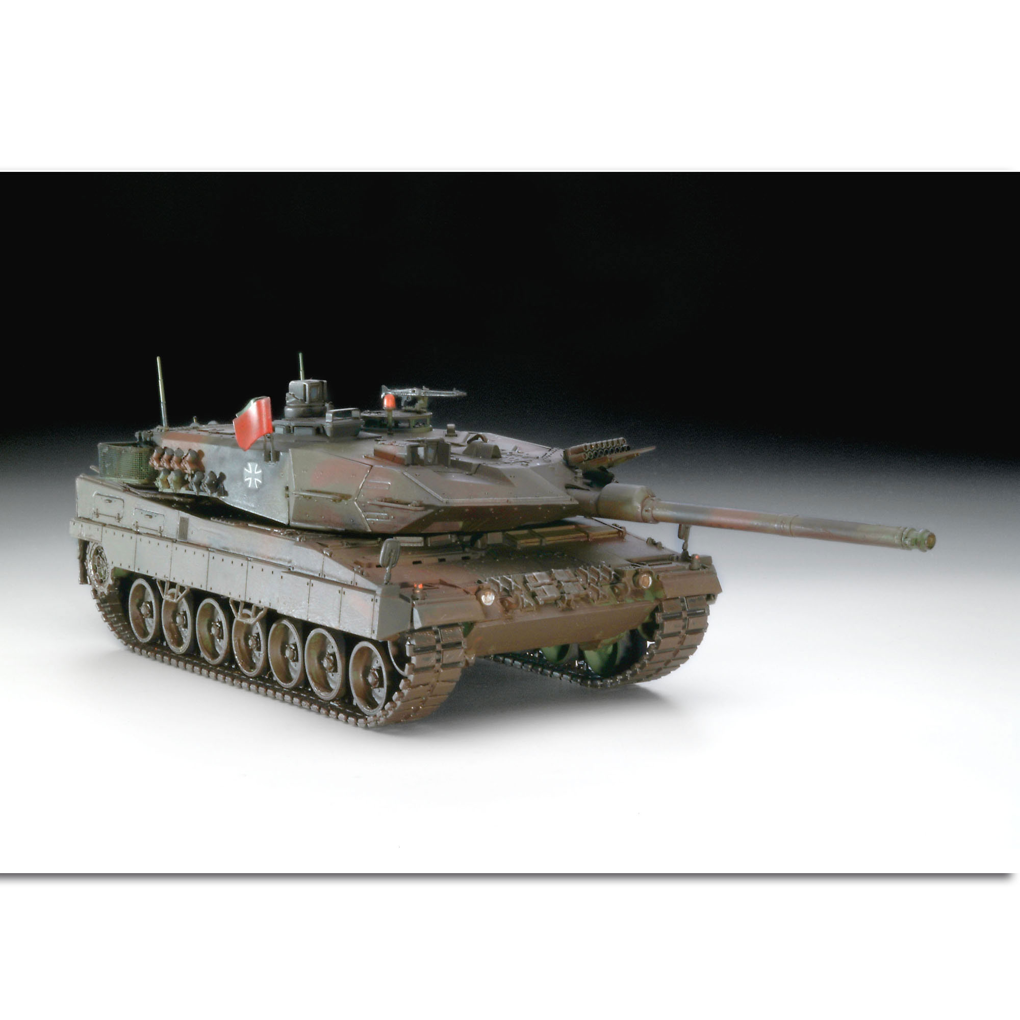 Revell Leopard 2 A6